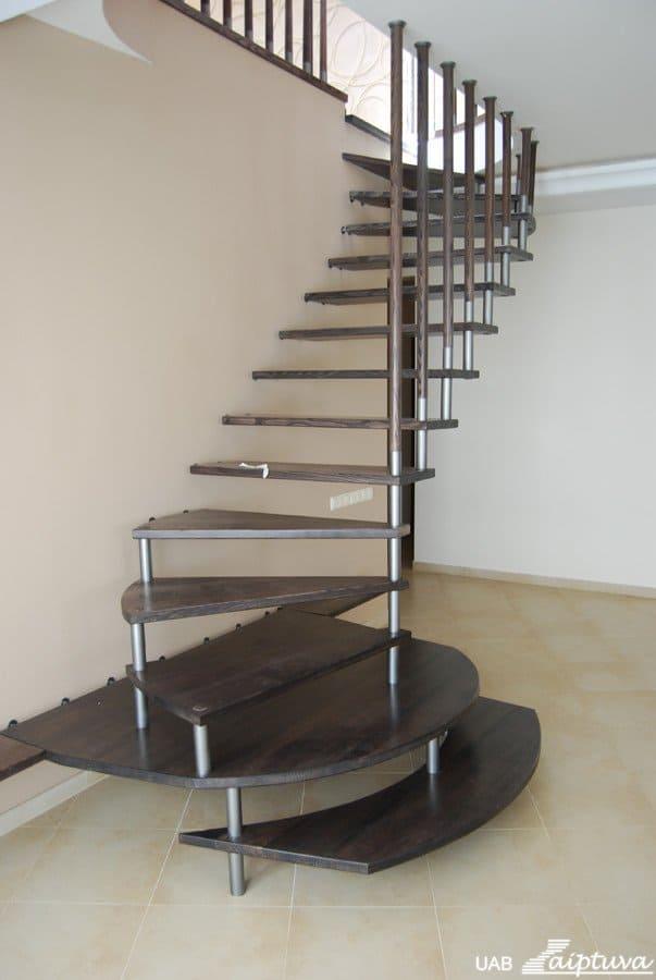 Kabantys laiptai K1
