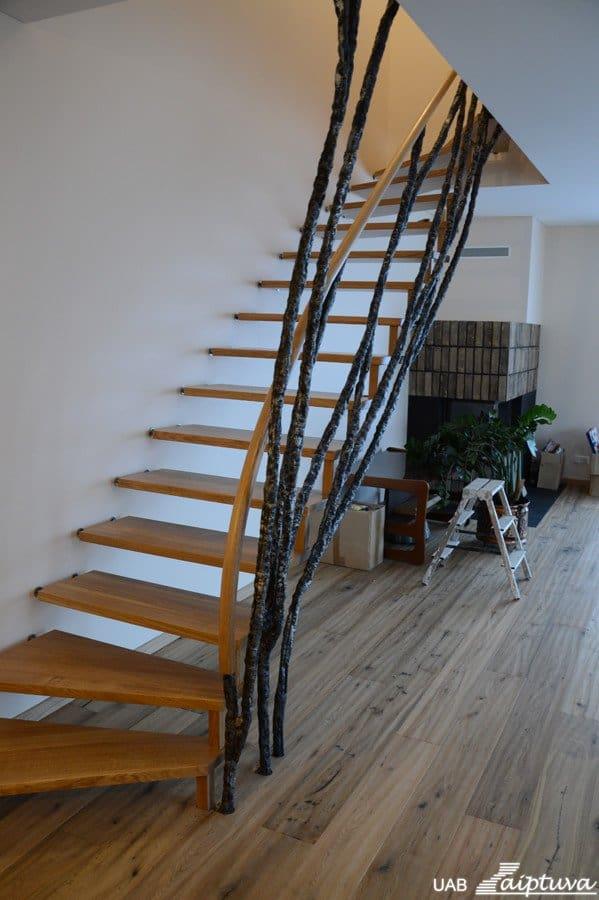 Kabantys laiptai K2