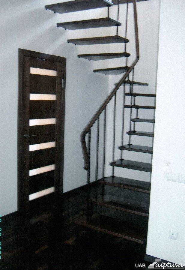 Kabantys laiptai K4