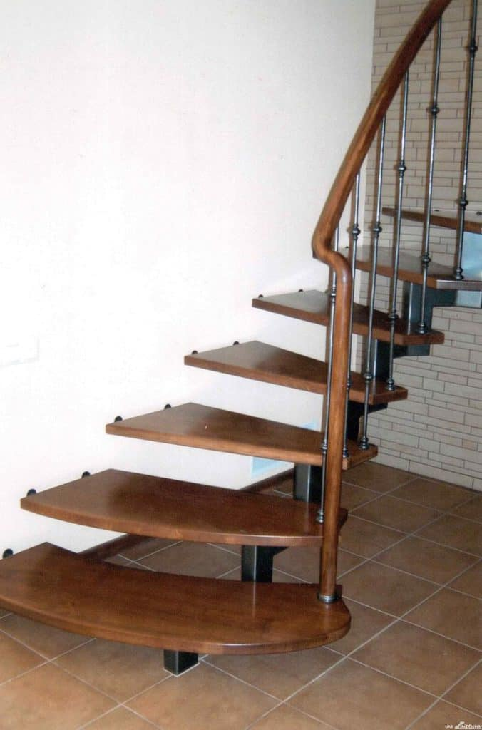 Metal construction staircase M15