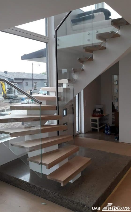 Metal construction staircase M22