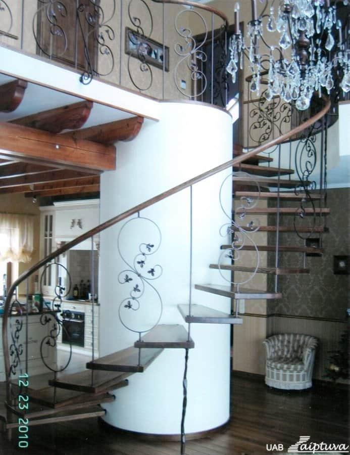 Sraigtiniai laiptai S1