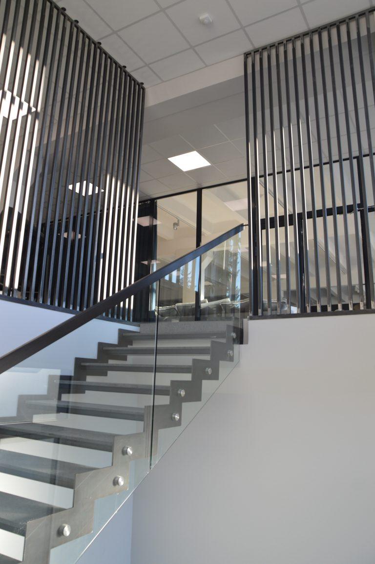Metalinės konstrukcijos laiptai M25