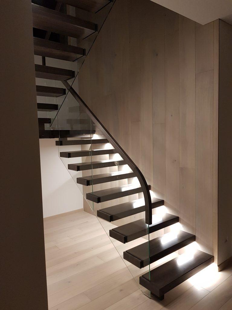 Konsoliniai laiptai C2