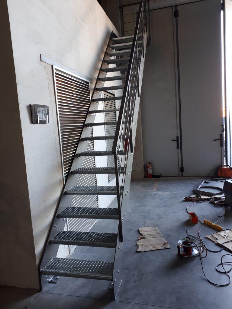 Priešgaisriniai laiptai P4