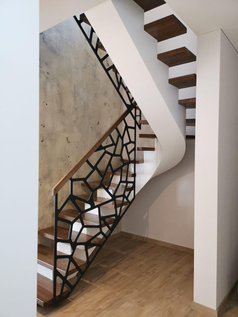 Metalinės konstrukcijos laiptai M24