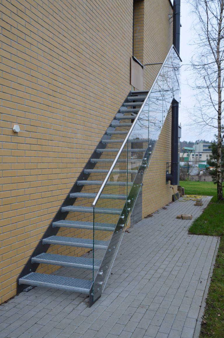 Lauko laiptai, priešgaisriniai laiptai P5