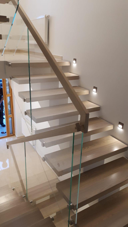 Metalinės konstrukcijos laiptai M30