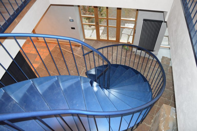 Metal construction staircase M28