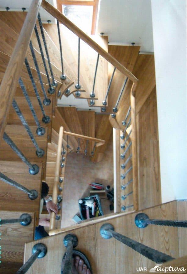 Kabantys laiptai K5