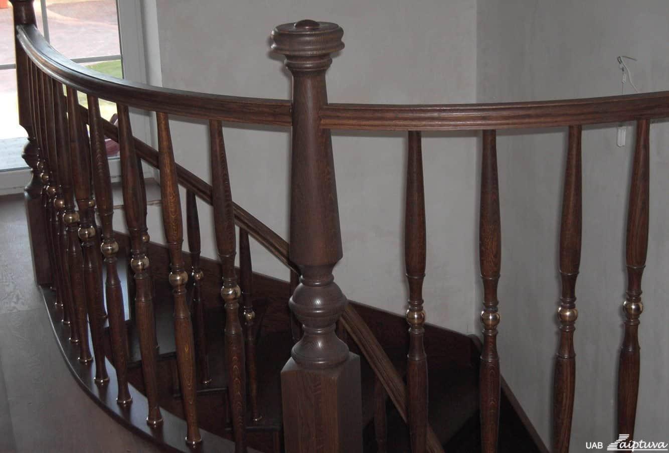 Mediniai laiptai, mediniai turėklai U1-5