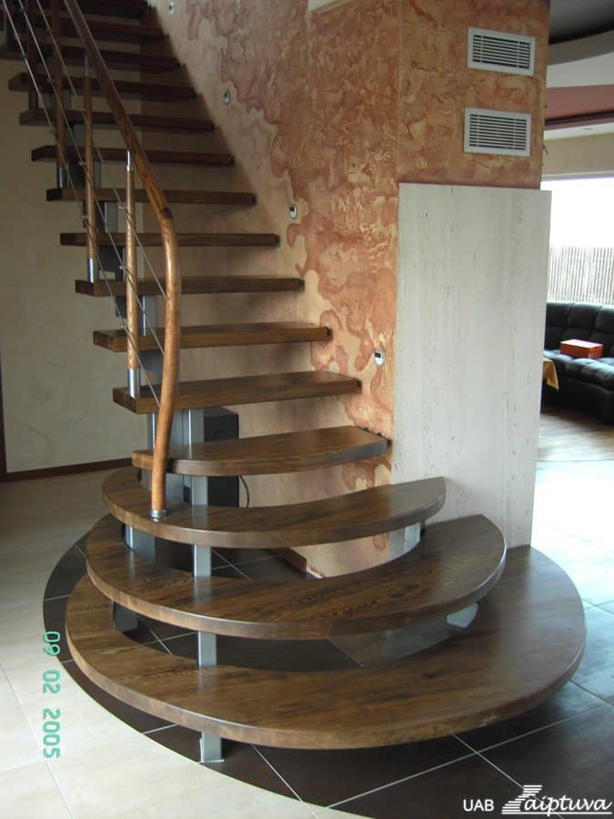 Metal construction staircase M16