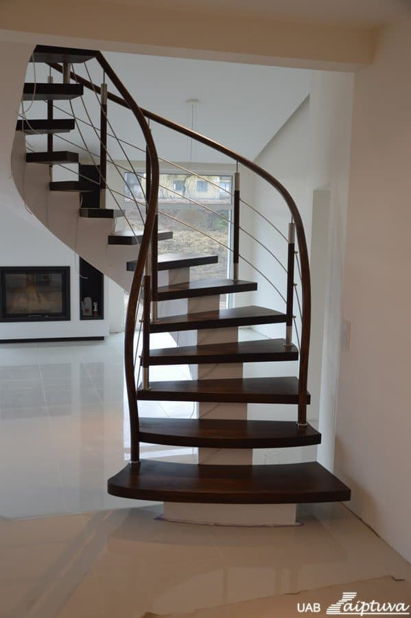 Metal construction staircase M8