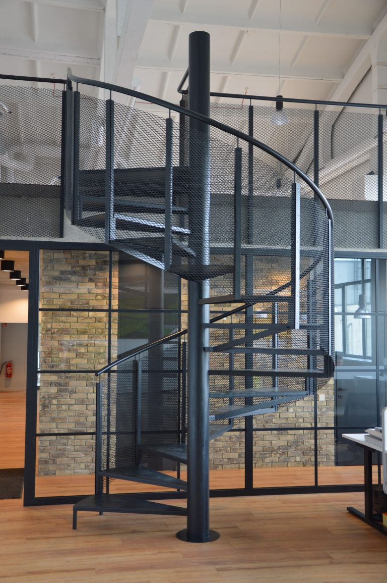 Spiral staircase S4