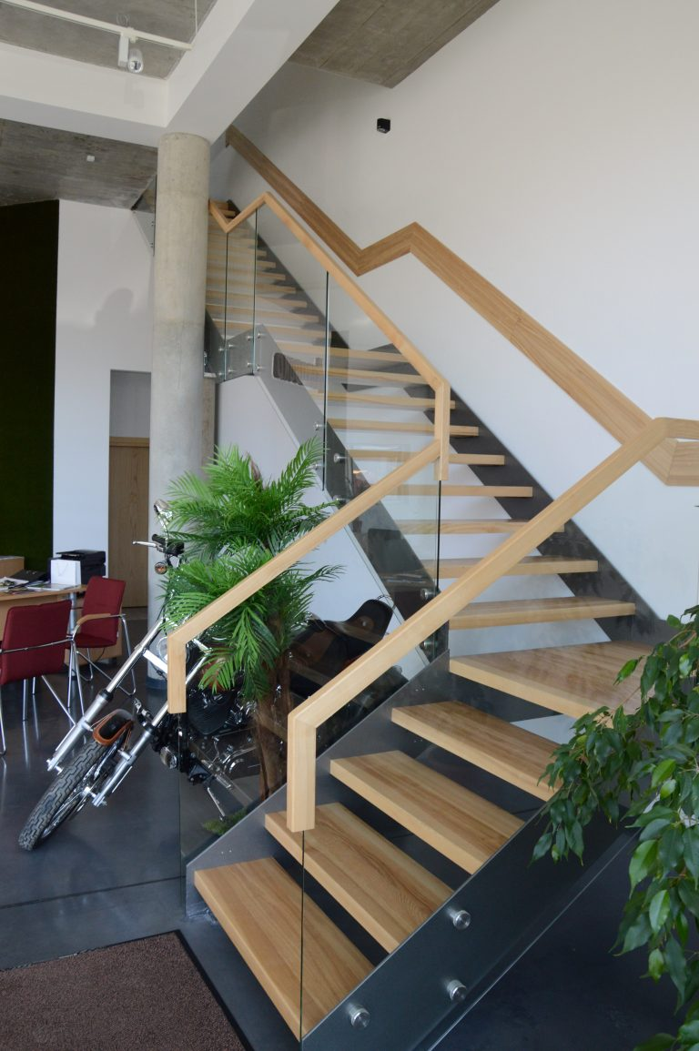 Metal construction staircase M26