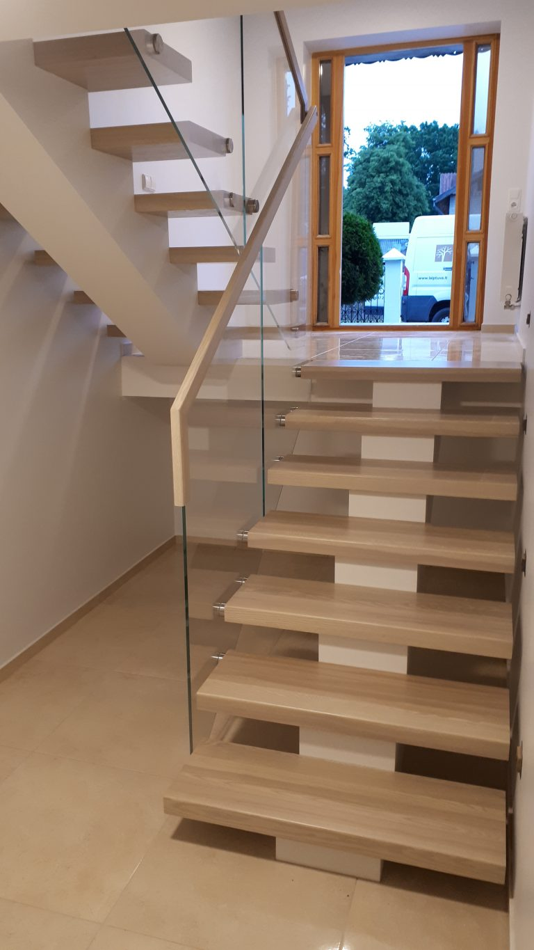 Metal construction staircase M30